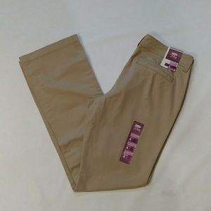 NWT. Old Navy boot cut pants
